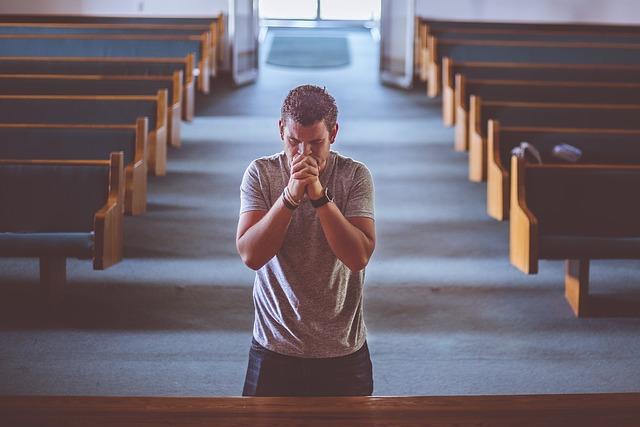 Beten in der Kirche